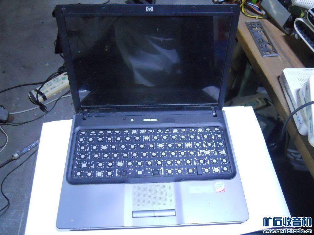 HP 520 14寸宽屏笔记本,键盘掉键帽,也能用的,电池到底能用多久没试过,屏幕下边有一.jpg