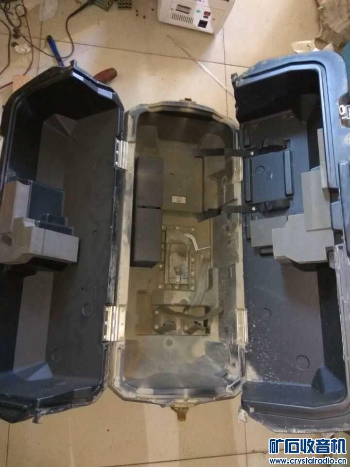 索尼的航空箱 做工很好 还有4个  低价138元包快递江浙沪一台处理了